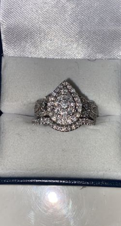 Wedding Band And Ring for Sale in St. Louis,  MO