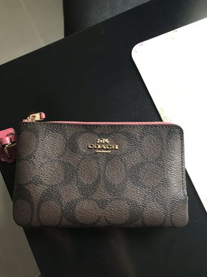 Coach wristlet for Sale in Maywood, IL