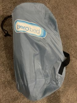 Aero twin air mattress with pump for Sale in Libertyville,  IL