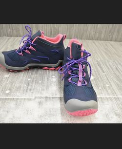 Youth Girls Merrell Hiking Boots NEW for Sale in Woodland,  CA