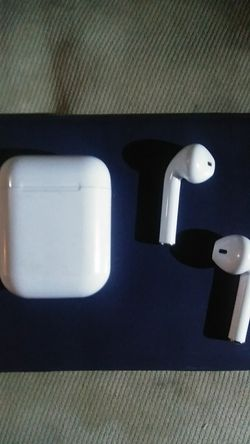 White iphone Wireless Bluetooth headphones and charging case for Sale in Seattle,  WA