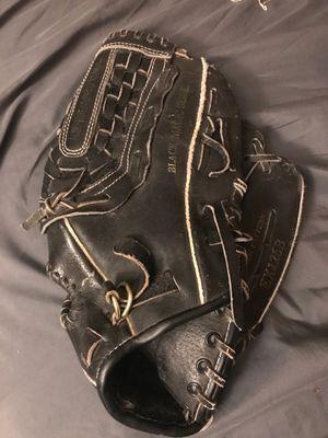 Baseball glove for Sale in Surprise, AZ