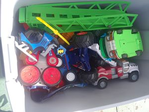 34 gallon bin full of gently used TOYS!! for Sale in West Palm Beach, FL