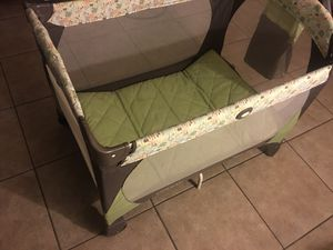 Baby crib for Sale in Albuquerque, NM