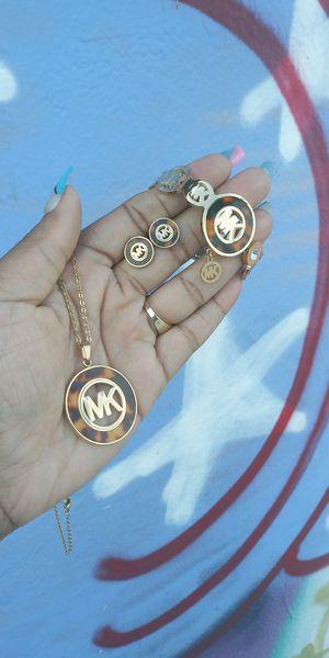 🚚💨I deliver🚀I Ship...😍😍14kt 💎Gold plated 💦 Necklace bracelet earrings and charm 🌟🌟🌟🌟🌟 for Sale in Fort Lauderdale, FL