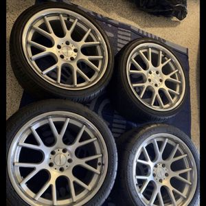 20 inch VOSSEN CV2 brushed silver chrome lip 5x114.3 staggered concave with tires for Sale in San Bernardino, CA