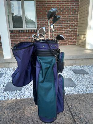 Ladies Spaulding golf clubs / Wilson bag for Sale in Windsor Locks, CT