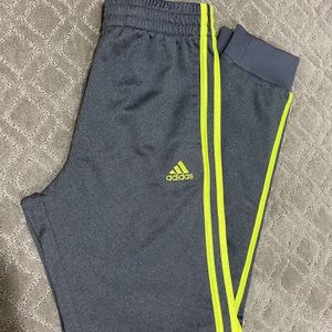 Kids Adidas Sweatpants Size L for Sale in Westminster, CA
