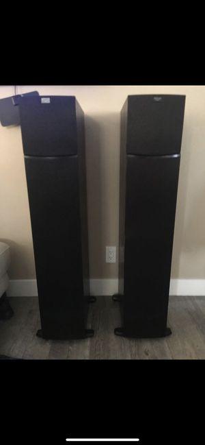 2 Klipsch tower speakers $220 No bluetooth for Sale in Pico Rivera, CA