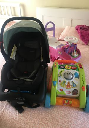 Baby car seat and toys for Sale in San Diego, CA