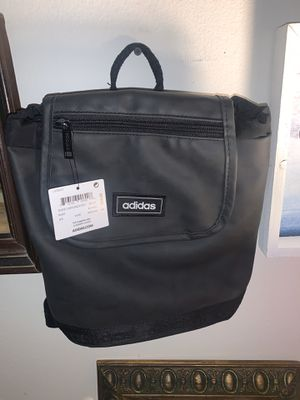 Small adidas bag/backpack for Sale in Los Angeles, CA