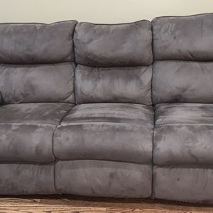 Brown Double Recliner Couch for Sale in Naperville, IL