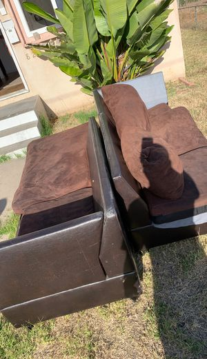 Free brown sectional couch for Sale in San Diego, CA