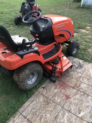 Simplicity garden tractor for Sale in Sanctuary, TX