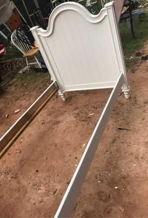 Twin bed for Sale in Lake City, GA