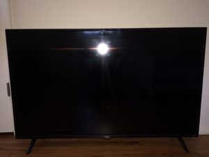 50 inch TCL roku smart tv for Sale in Severn, MD