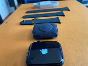Apple Watch Series 5 44mm for Sale in Washington, DC