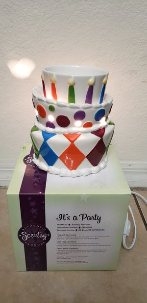 Scentsy It's a Party birthday cake wax warmer for Sale in Miami, FL