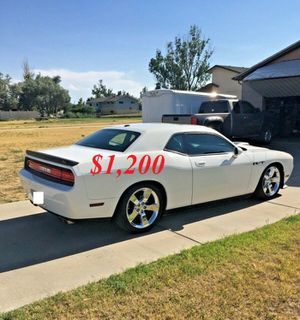 🌺$1,2OO Selling🌺 2009 Dodge Challenger🌺 very nice🙏🏼 for Sale in Hartford, CT