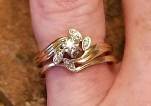 Stunning Vintage Estate 10K yellow gold diamond floral cluster wedding set size 7 for Sale in Lake Stevens, WA