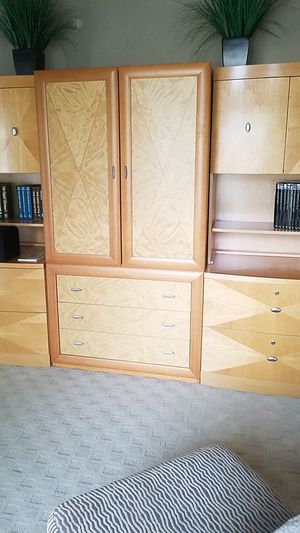 Hutch & bookshelf set for Sale in Redmond, WA