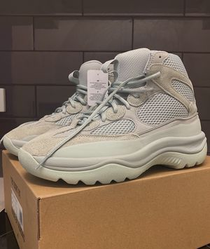 Yeezy Boots Salt for Sale in Miami, FL