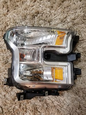 2015 - 2017 Ford F150 Headlight right OEM for Sale in West Sacramento, CA