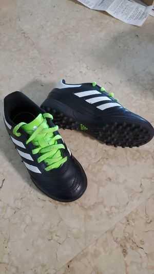 Adidas Soccer Shoes for Sale in Miami Gardens, FL