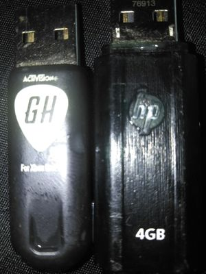 2 memory sticks for Sale in Cleveland, OH