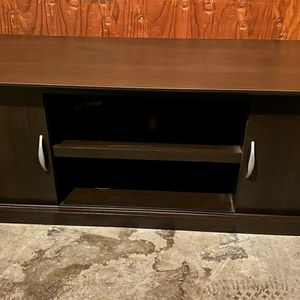 Tv Stand With Sliding Doors for Sale in Fresno, CA
