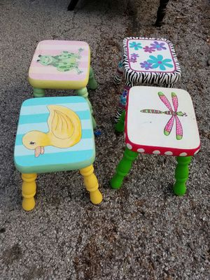 4 kids chairs for Sale in Melrose Park, IL