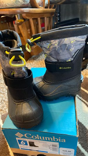 Columbia snow boots for Sale in Rice, MN