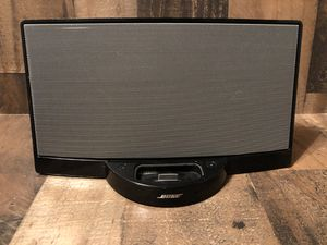 Bose SoundDock Portable Digital Music System 24 pin iOS Speaker- Base Only for Sale in Fresno, CA