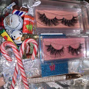 Lashes Bundle For Christmas 🎄 for Sale in Phoenix, AZ