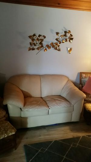Loveseat leather for Sale in Los Osos, CA