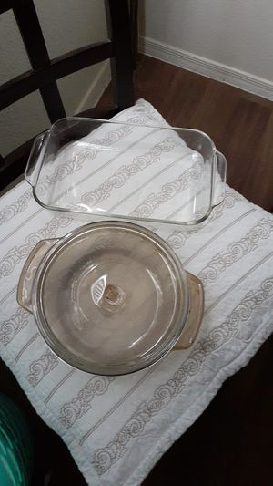 2 Pyrex cooking casserole for Sale in Las Vegas, NV