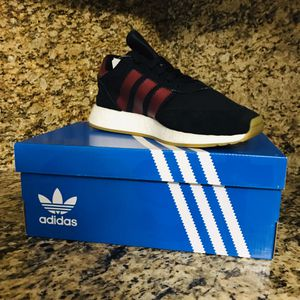 Men's adidas shoes size 8.5 for Sale in Hialeah, FL