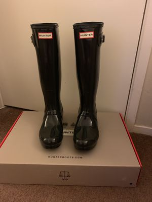 100% Authentic Brand New in Box Hunter Original Tall Gloss Rain Boots / Women size 6 (EU 36) and Women US size 7 (EU 38) for Sale in Walnut Creek, CA