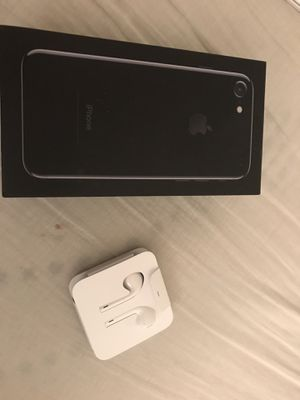 iPhone 7. Black. 32g. Excellent condition. Includes new earbuds. Black otter box case for Sale in Mount Airy, MD