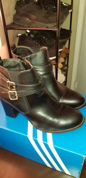 Black boots for Sale in Bakersfield, CA