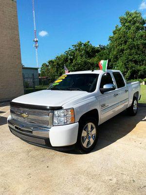 2010 Chevy Silverado Texas//Down 1990 o trade in for Sale in Houston, TX