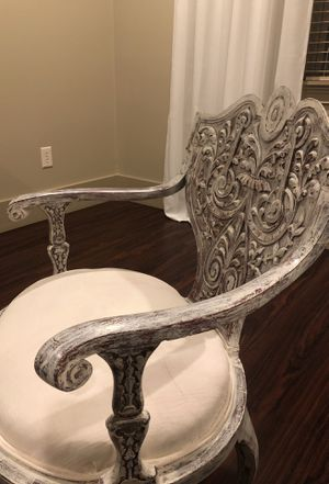 Vintage chair for Sale in Wellford, SC