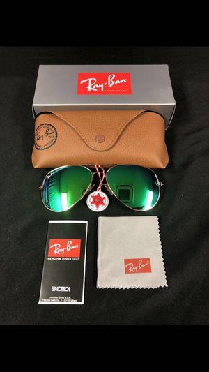 Green aviator sunglasses for Sale in Ballwin, MO