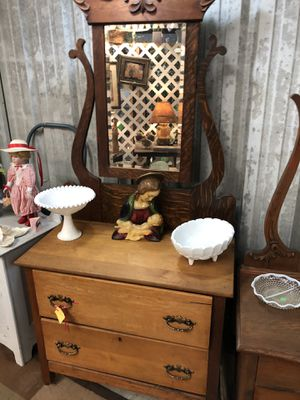 Antique dresser beautiful 65.00 for Sale in Land O Lakes, FL