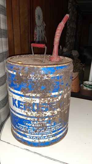 VINTAGE 1970s KEROSENE 5 GALLON SUPER CAN for Sale in Spout Spring, VA