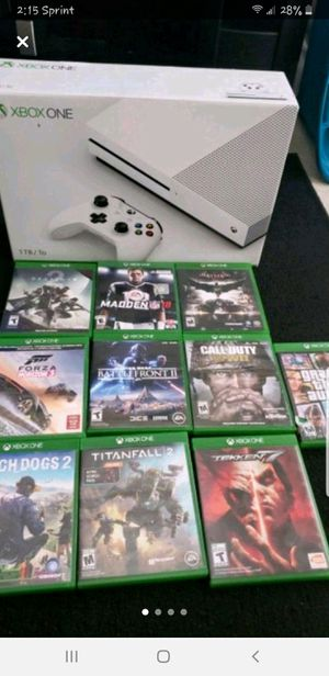 Xbox one 1T with 10 games, 1 controller with rechargeable battery for Sale in Rockville, MD