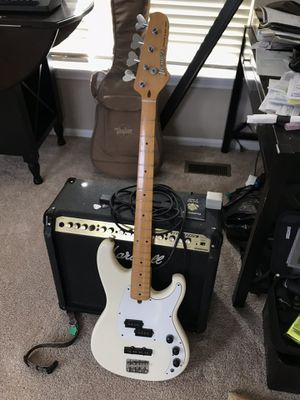Ibanez Roadstar II Bass Guitar for Sale in Round Lake Heights, IL