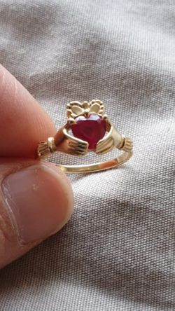 14 kt gold ring with ruby gemstone size 7 for Sale in Arlington,  VA
