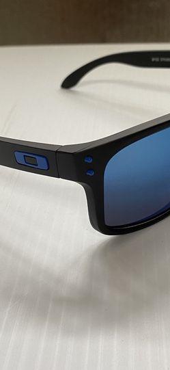 *Oakley Holbrook Sunglasses 🕶 for Sale in Porterville,  CA