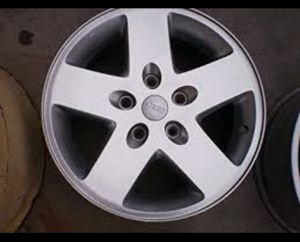 """Five (5) Jeep Aluminum Wheels 17"""" With Center Caps for Sale in Columbus, OH"""